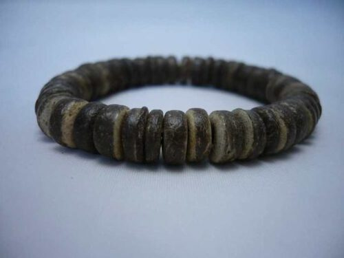 Coconut bead bracelet